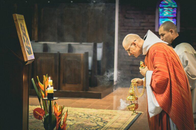 Postawy i gesty liturgiczne